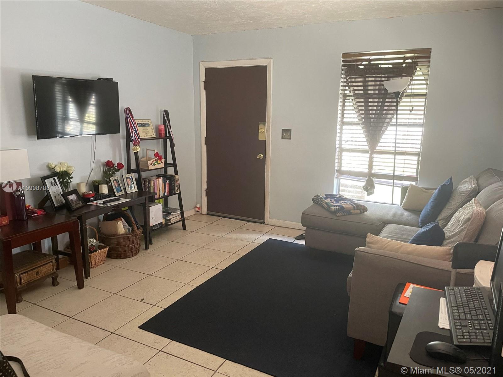 /  1620 sq. ft. $ 2021-02-12 0 Photo
