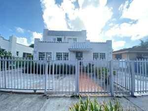 839 000$ - Miami-Dade County,Miami; 3287 sq. ft.