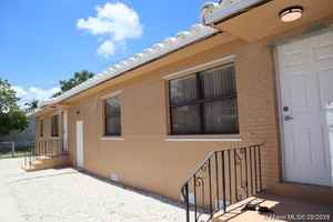 349 900$ - Broward County,Hollywood; 1356 sq. ft.