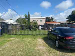 449 000$ - Miami-Dade County,Miami; 3446 sq. ft.