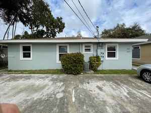 449 900$ - Miami-Dade County,Miami; 2120 sq. ft.