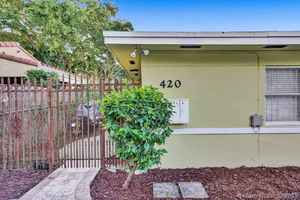 695 000$ - Miami-Dade County,Miami; 1960 sq. ft.