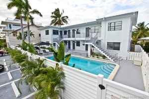 2 300 000$ - Broward County,Hollywood; 6423 sq. ft.