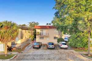 790 000$ - Miami-Dade County,North Miami Beach; 6750 sq. ft.