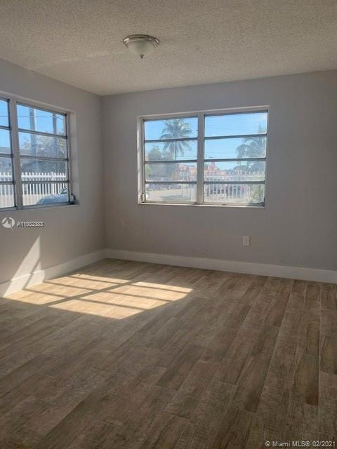 /  1590 sq. ft. $ 2021-02-21 0 Photo