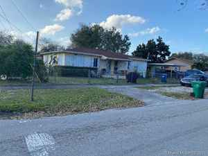 439 000$ - Miami-Dade County,Miami; 2213 sq. ft.