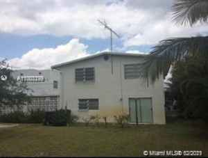 600 000$ - Palm Beach County,Lake Worth; 5449 sq. ft.