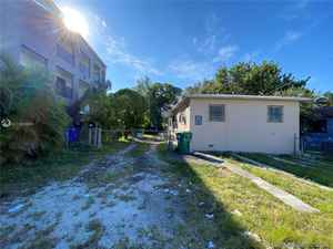 320 000$ - Miami-Dade County,Miami; 1371 sq. ft.