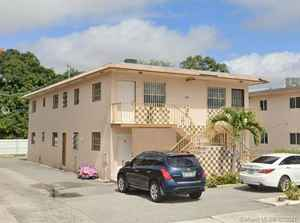 850 000$ - Miami-Dade County,Hialeah; 3977 sq. ft.