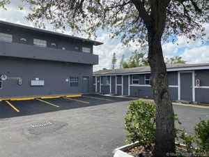 2 175 000$ - Broward County,West Park; 3124 sq. ft.