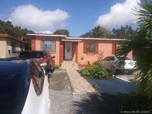 535 000$ - Miami-Dade County,Hialeah; 2240 sq. ft.