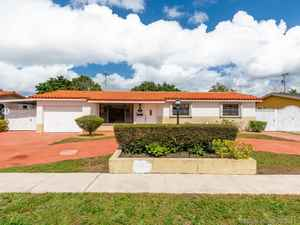 474 900$ - Miami-Dade County,Hialeah; 10133 sq. ft.