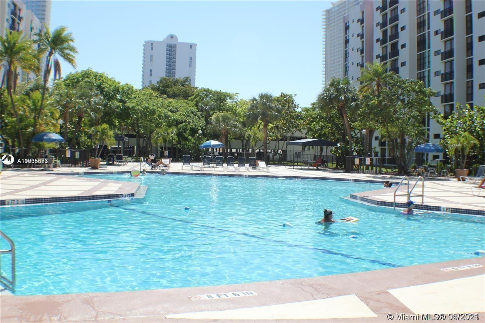 Photo of 16919 Bay Rd #101, Sunny Isles Beach, Florida, 33160 - Jacuzzi