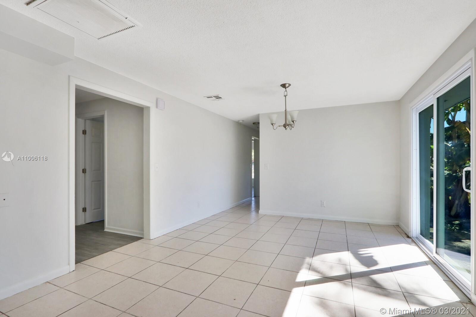 /  3211 sq. ft. $ 2021-03-01 0 Photo