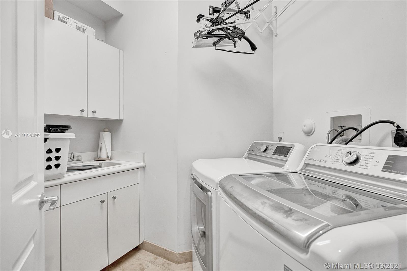 Photo of 19413 38th Ct, Sunny Isles Beach, Florida, 33160 - Bathroom 4- Cabana Bath