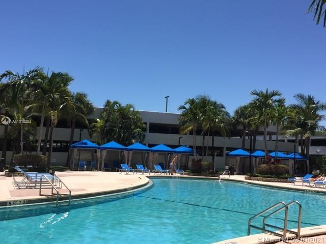 Photo of 19370 Collins Ave #721, Sunny Isles Beach, Florida, 33160 - Gym in the building