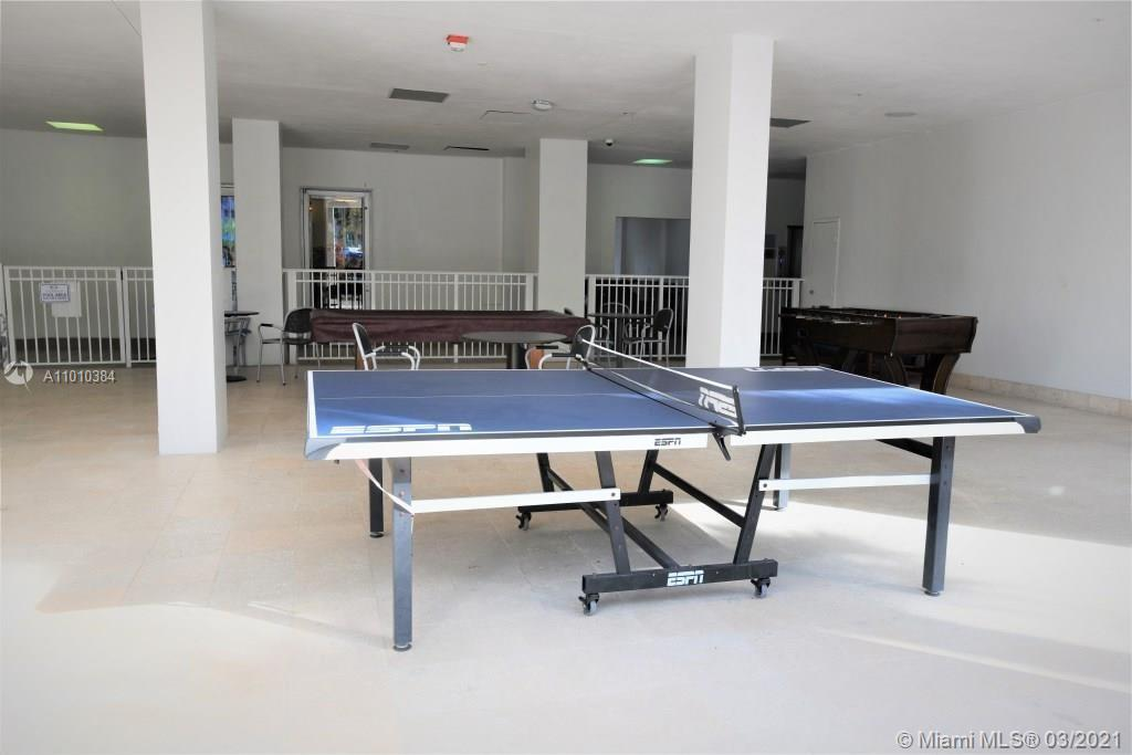 Photo of 19370 Collins Ave #721, Sunny Isles Beach, Florida, 33160 - Pool