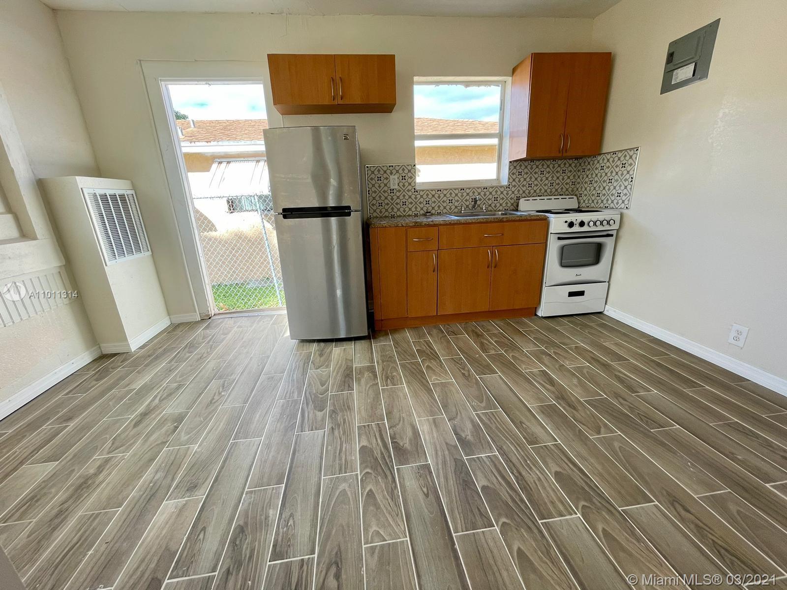 /  400 sq. ft. $ 2021-03-10 0 Photo