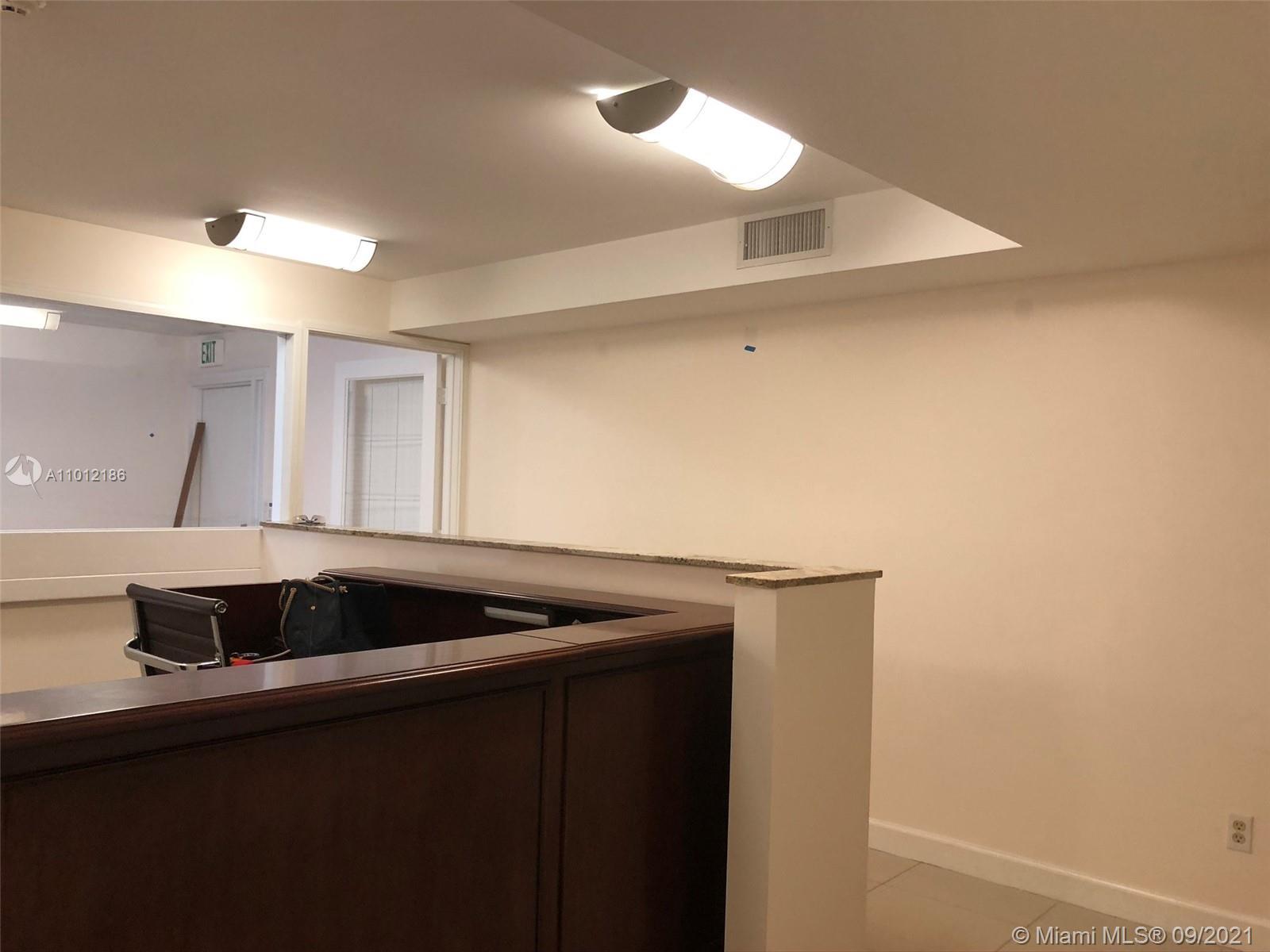 C30  /   sq. ft. $ 2021-03-12 0 foto