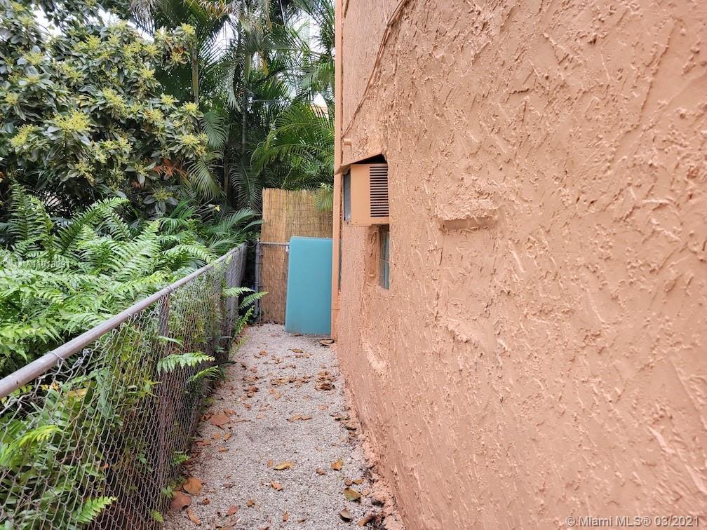 /  2553 sq. ft. $ 2021-03-15 0 foto