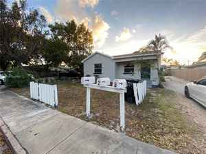 350 000$ - Palm Beach County,Lake Worth; 2256 sq. ft.