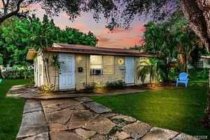 329 000$ - Broward County,Hollywood; 1383 sq. ft.