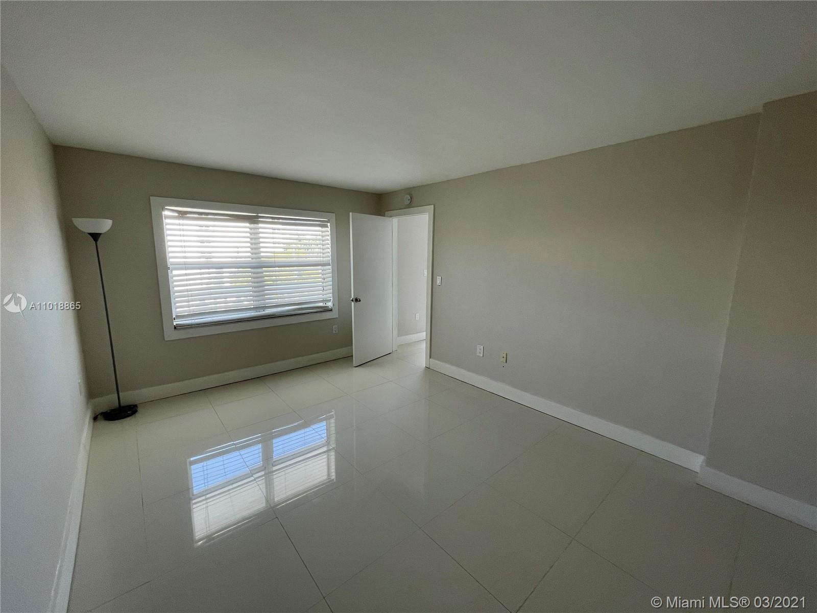 4J 1 / 2 757 sq. ft. $ 2021-03-26 0 Photo