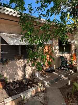 310 000$ - Broward County,Hollywood; 1330 sq. ft.