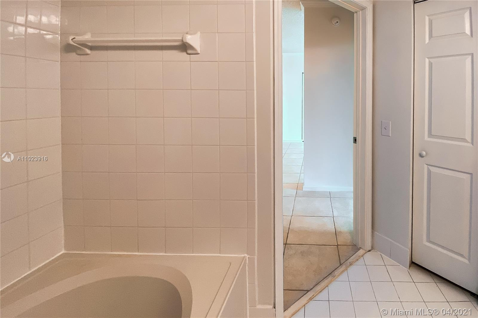 Photo of 17150 Bay Rd #2510, Sunny Isles Beach, Florida, 33160 - Master Bathroom