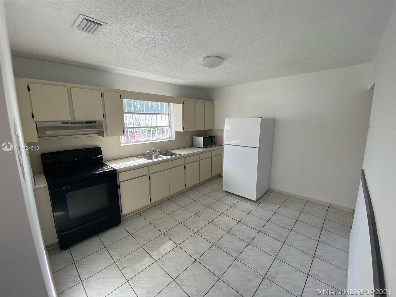 /  1896 sq. ft. $ 2021-04-07 0 Photo