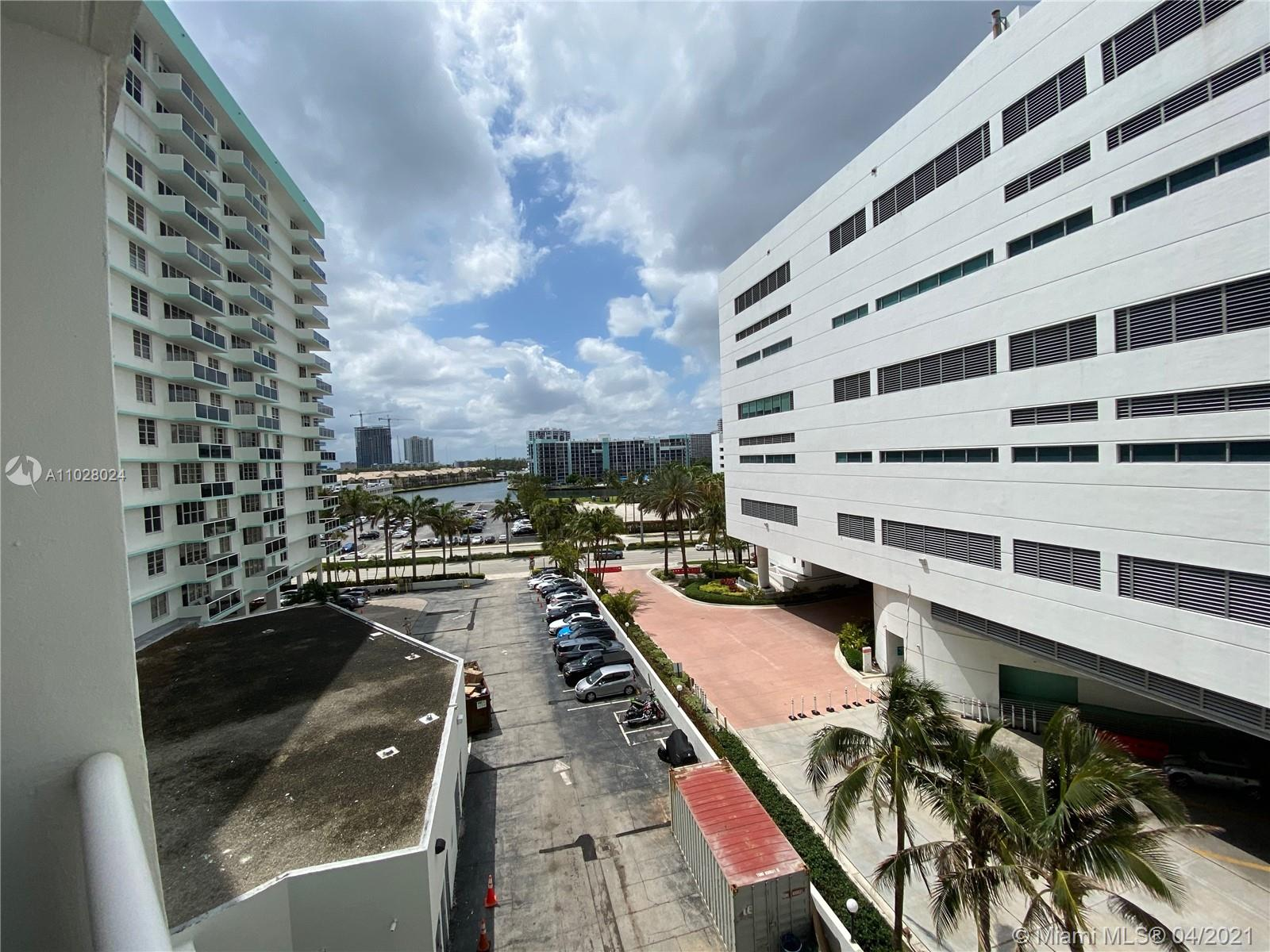 Photo of 3725 Ocean Dr #615, Hollywood, Florida, 33019 -