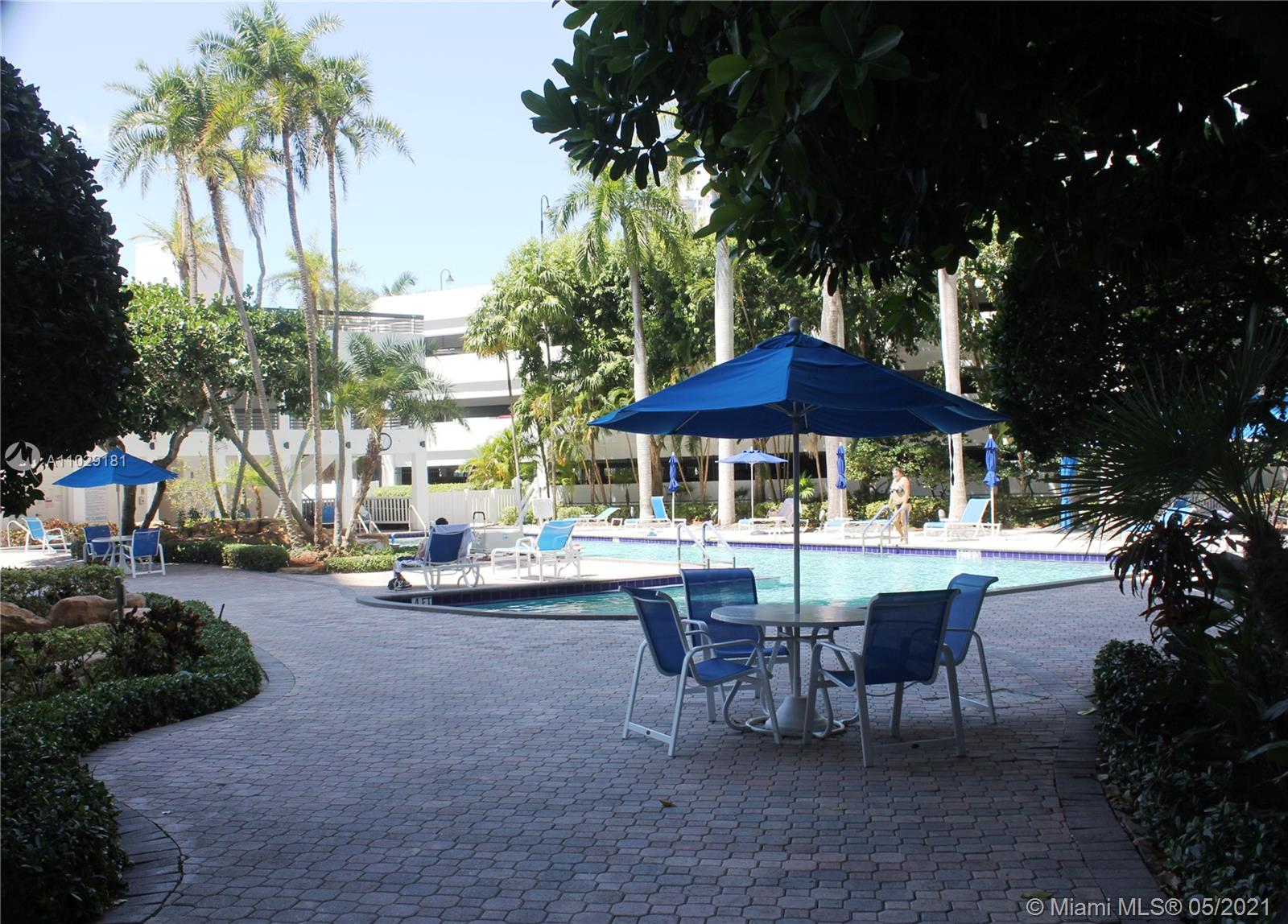 Photo of 3600 Mystic Pointe Dr #917, Aventura, Florida, 33180 - Library