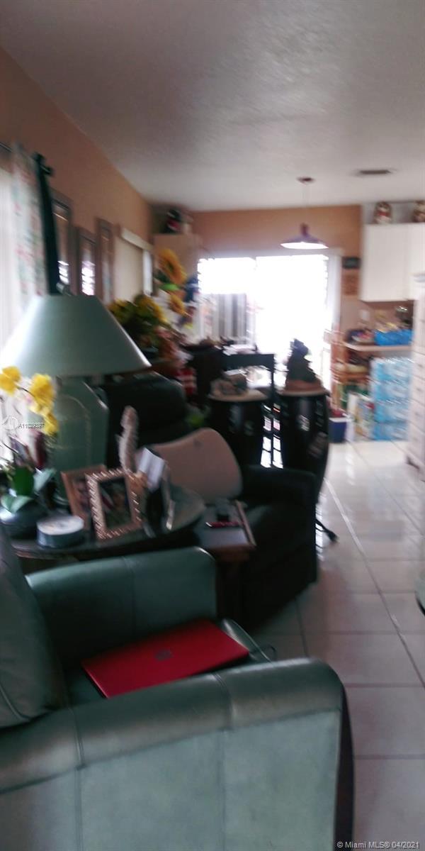 /  1815 sq. ft. $ 2021-04-18 0 Photo