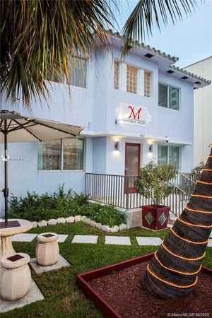 3 750 000$ - Miami-Dade County,Miami Beach; 6150 sq. ft.