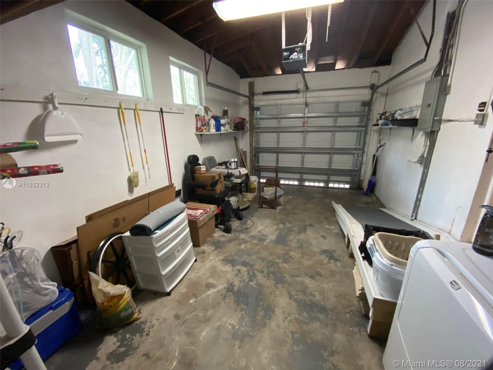 3 / 2 1683 sq. ft. $ 2021-05-10 0 foto