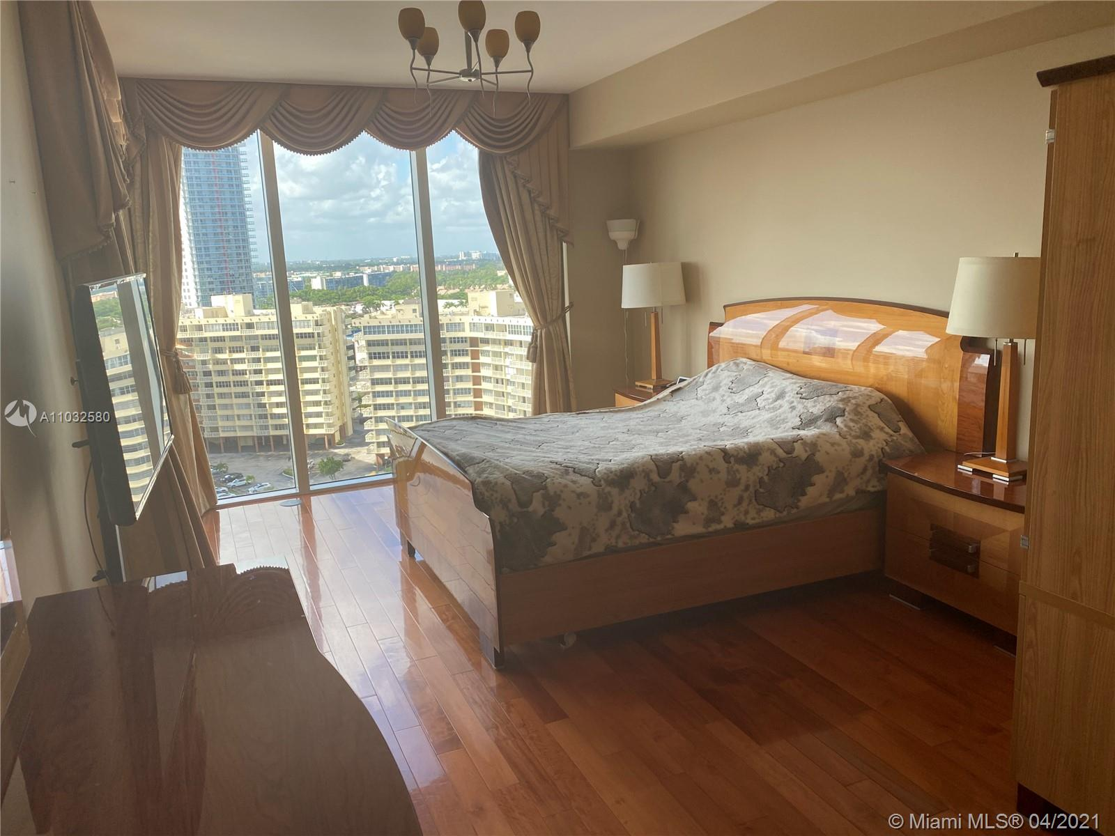 1607 3 / 3 1571 sq. ft. $ 2021-04-24 0 Photo