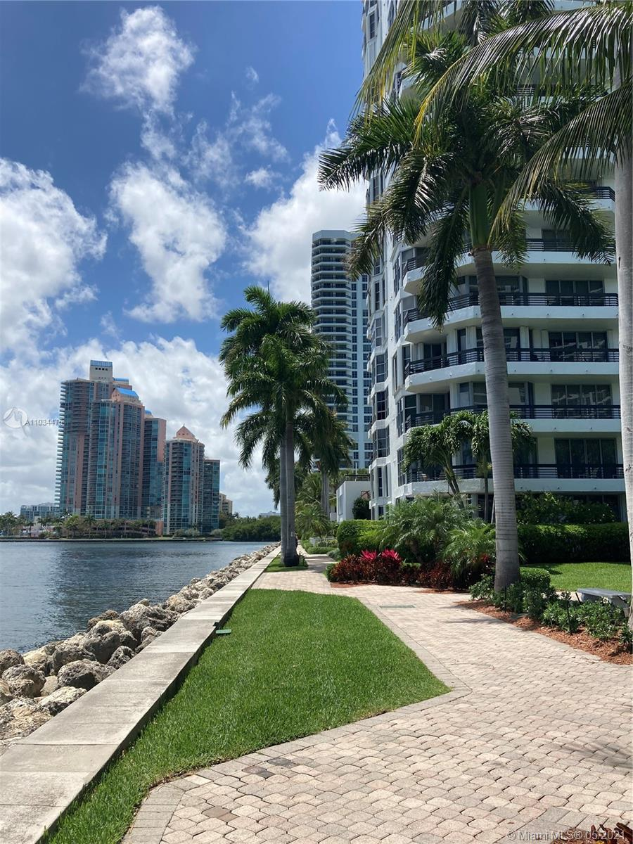 Photo of 3600 Mystic Pointe Dr #305, Aventura, Florida, 33180 - FULL BATH
