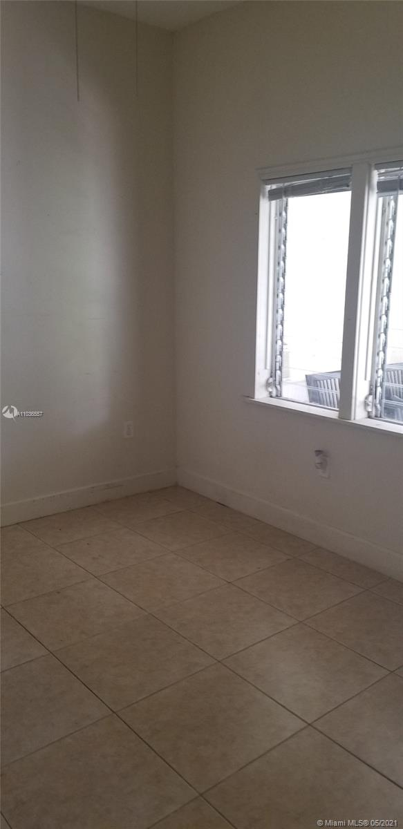 /  1715 sq. ft. $ 2021-05-03 0 Photo