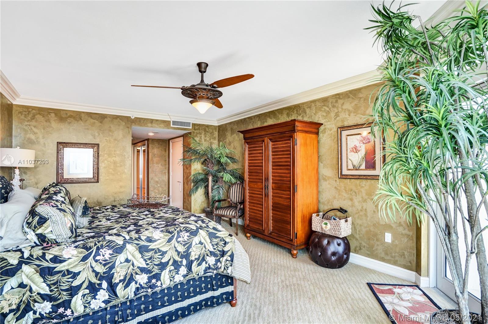 Photo of 20201 Country Club Dr #1006, Aventura, Florida, 33180 - Guest bathroom.