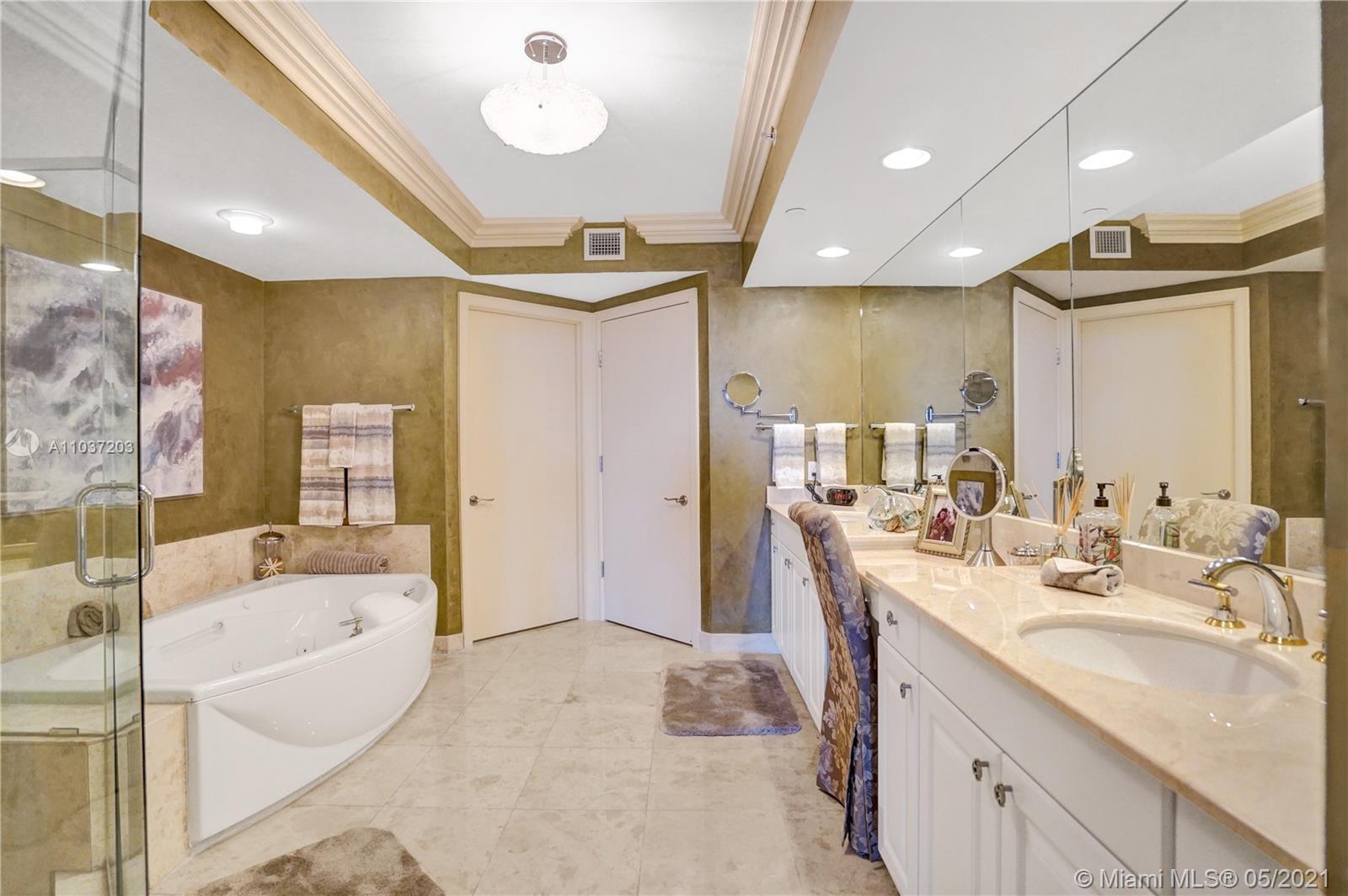 Photo of 20201 Country Club Dr #1006, Aventura, Florida, 33180 - His bathroom.