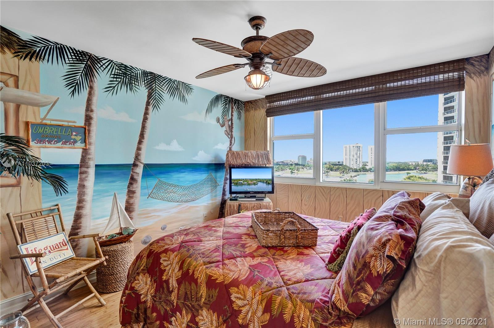 Photo of 20201 Country Club Dr #1006, Aventura, Florida, 33180 - Huge walk-in closet.