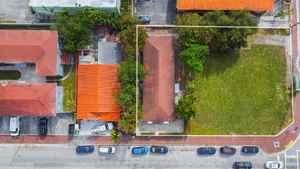 1 050 000$ - Miami-Dade County,Miami; 1800 sq. ft.