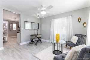 464 900$ - Palm Beach County,Lake Worth; 1560 sq. ft.