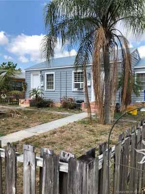 349 000$ - Palm Beach County,Lake Worth; 1582 sq. ft.