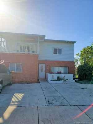 687 000$ - Miami-Dade County,Miami; 2640 sq. ft.