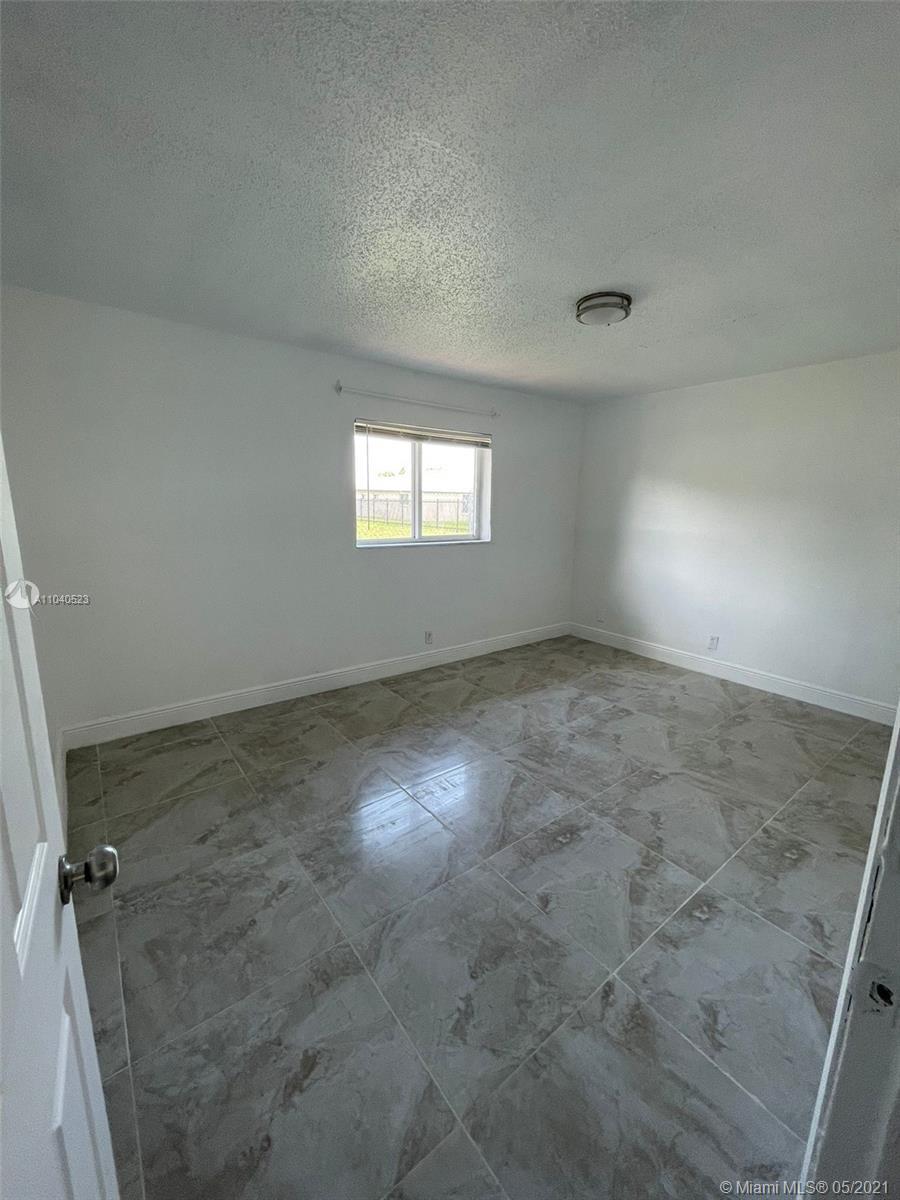 /  3600 sq. ft. $ 2021-05-11 0 Photo