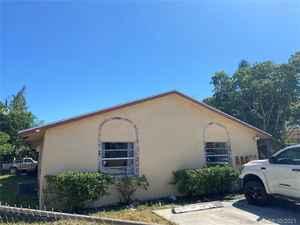 439 000$ - Palm Beach County,West Palm Beach; 2720 sq. ft.
