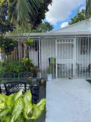 280 000$ - Miami-Dade County,Miami; 1438 sq. ft.