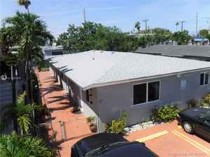 624 995$ - Miami-Dade County,Hialeah; 1897 sq. ft.