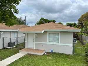 699 000$ - Miami-Dade County,Miami; 2800 sq. ft.